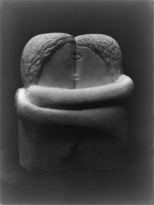 Constantin_Brancusi,_1907-08,_The_Kiss,_Exhibited_at_the_Armory_Show_and_published_in_the_Chicago_Tribune,_25_March_1913.